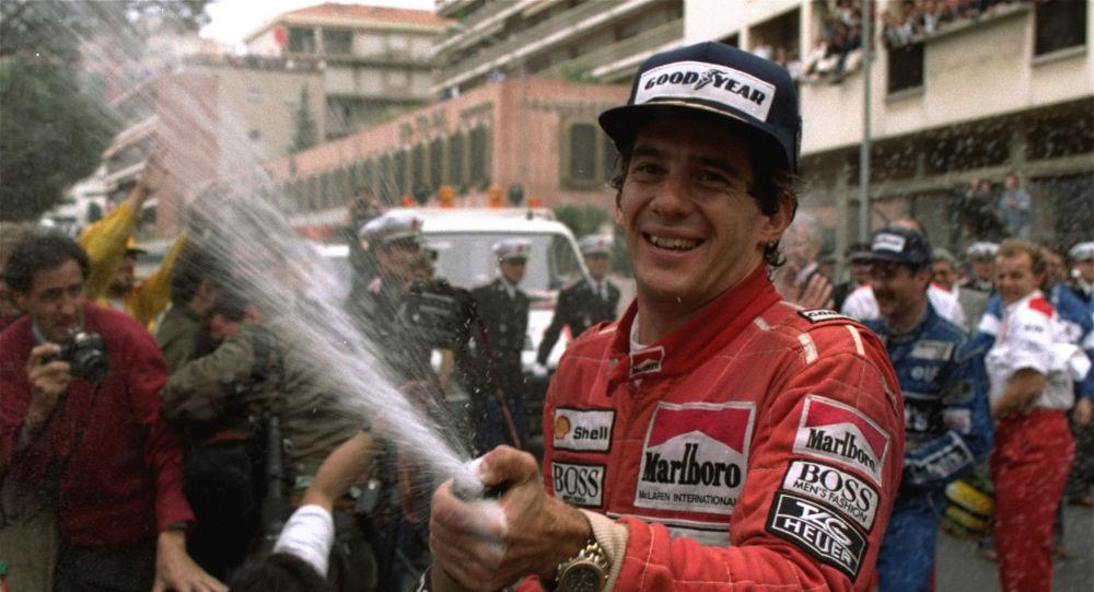 Ayrton Senna comemora 30ª vitória atingida no Grande Prêmio de Mônaco, 12 de maio de 1990