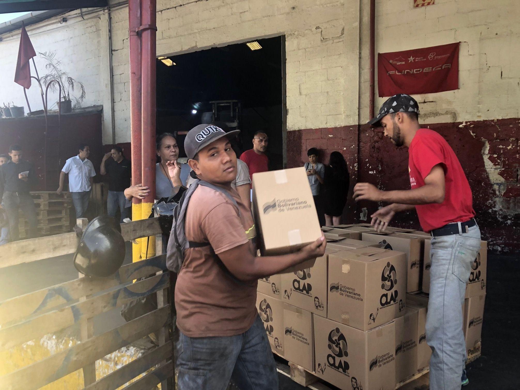 Distribuição de cestas alimentares das CLAP