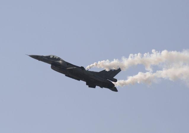 F-16 (imagem referencial)