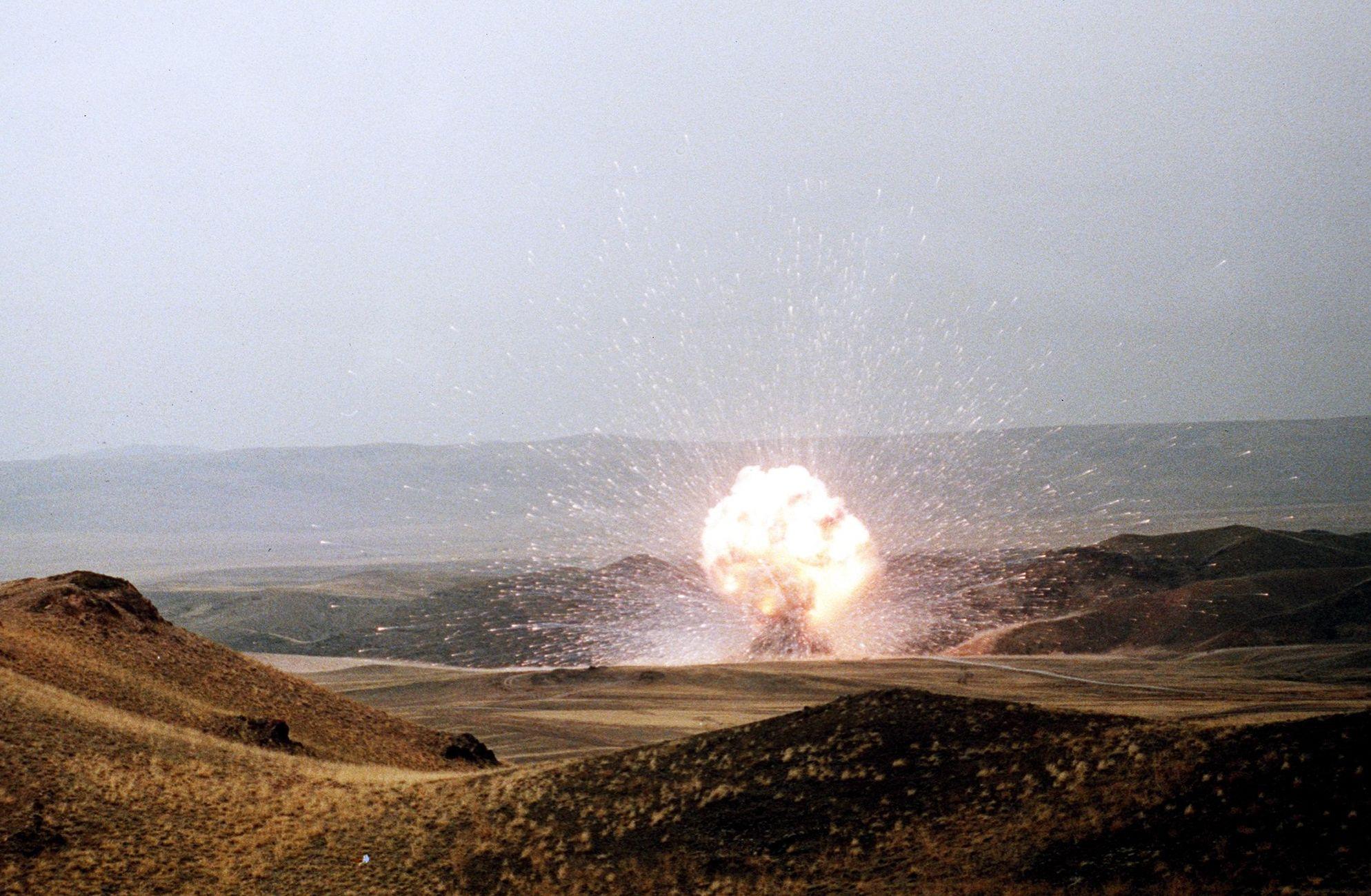 Destruição de míssil SS-23, o 957º e o último míssil soviético de curto alcance a ser destruído no âmbito do Tratado INF com os EUA
