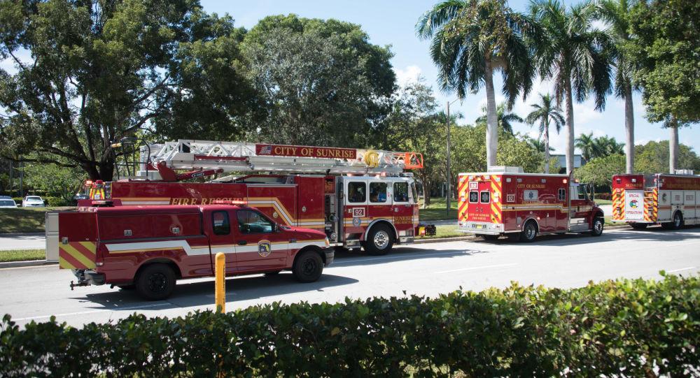 Carros de bombeiros atendendo a chamado na Flórida (arquivo)