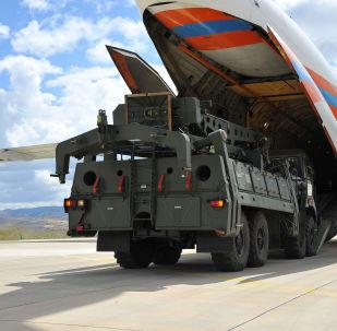 Primeiro lote de componentes dos sistemas de defesa antiaérea S-400 na Turquia