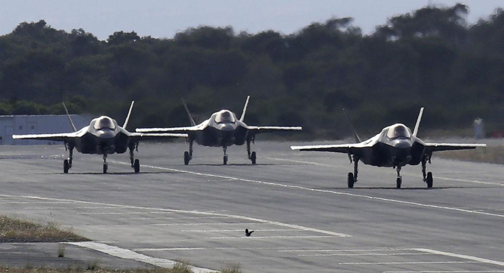 Caças norte-americanos F-35