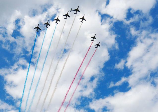 Aviões da Patrulha Acrobática Francesa