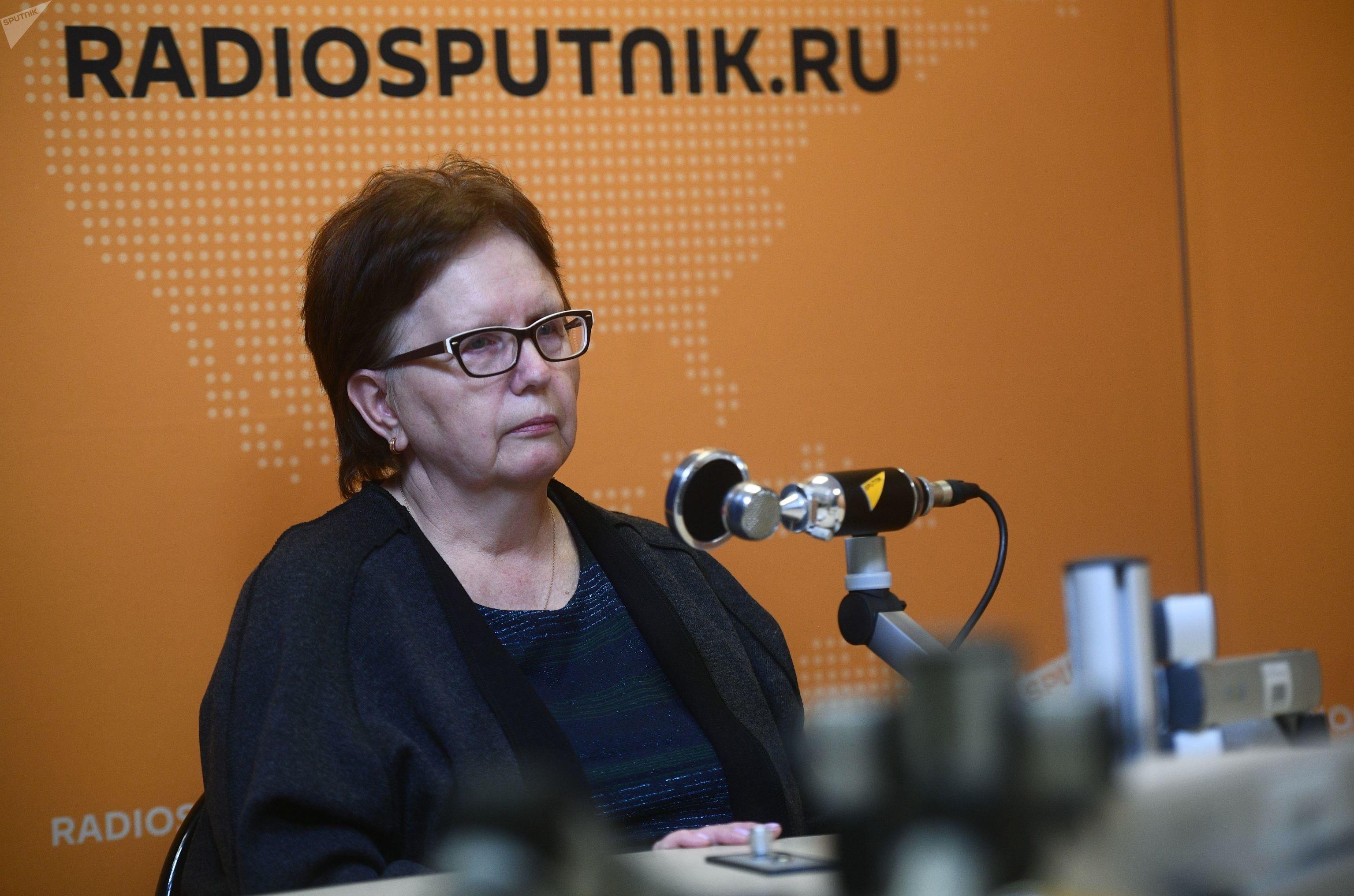 Vera Stenina, mãe do fotojornalista da agência internacional MIA Rossiya Segodnya, Andrei Stenin, morto em 6 de agosto de 2014 no leste da Ucrânia