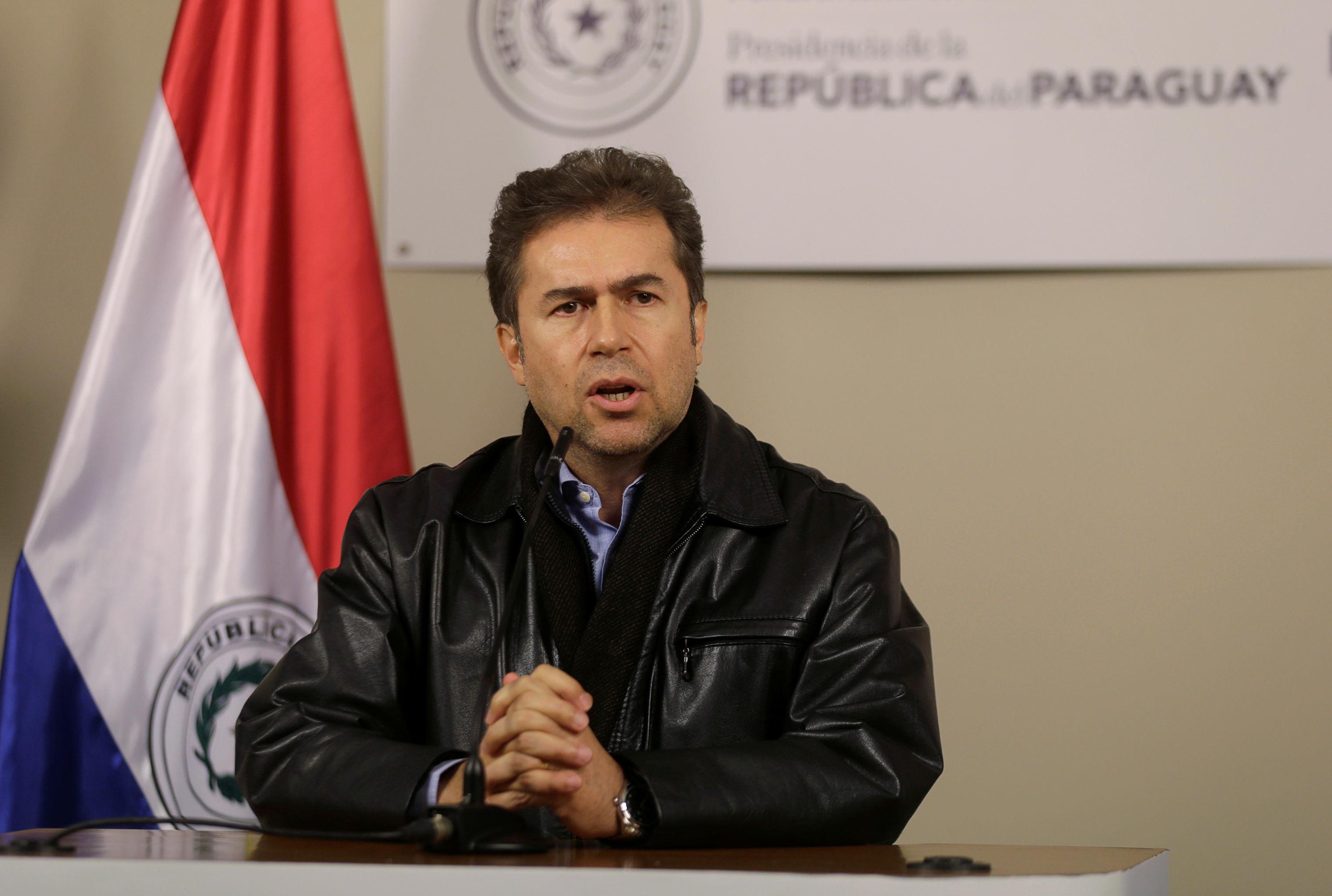 Luis Alberto Castiglioni, ministro das Relações Exteriores do Paraguai, durante coletiva de imprensa em Assunção, capital do país, em 28 de julho de 2019