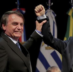 Jair Bolsonaro e Mauricio Macri durante cúpula do Mercosul