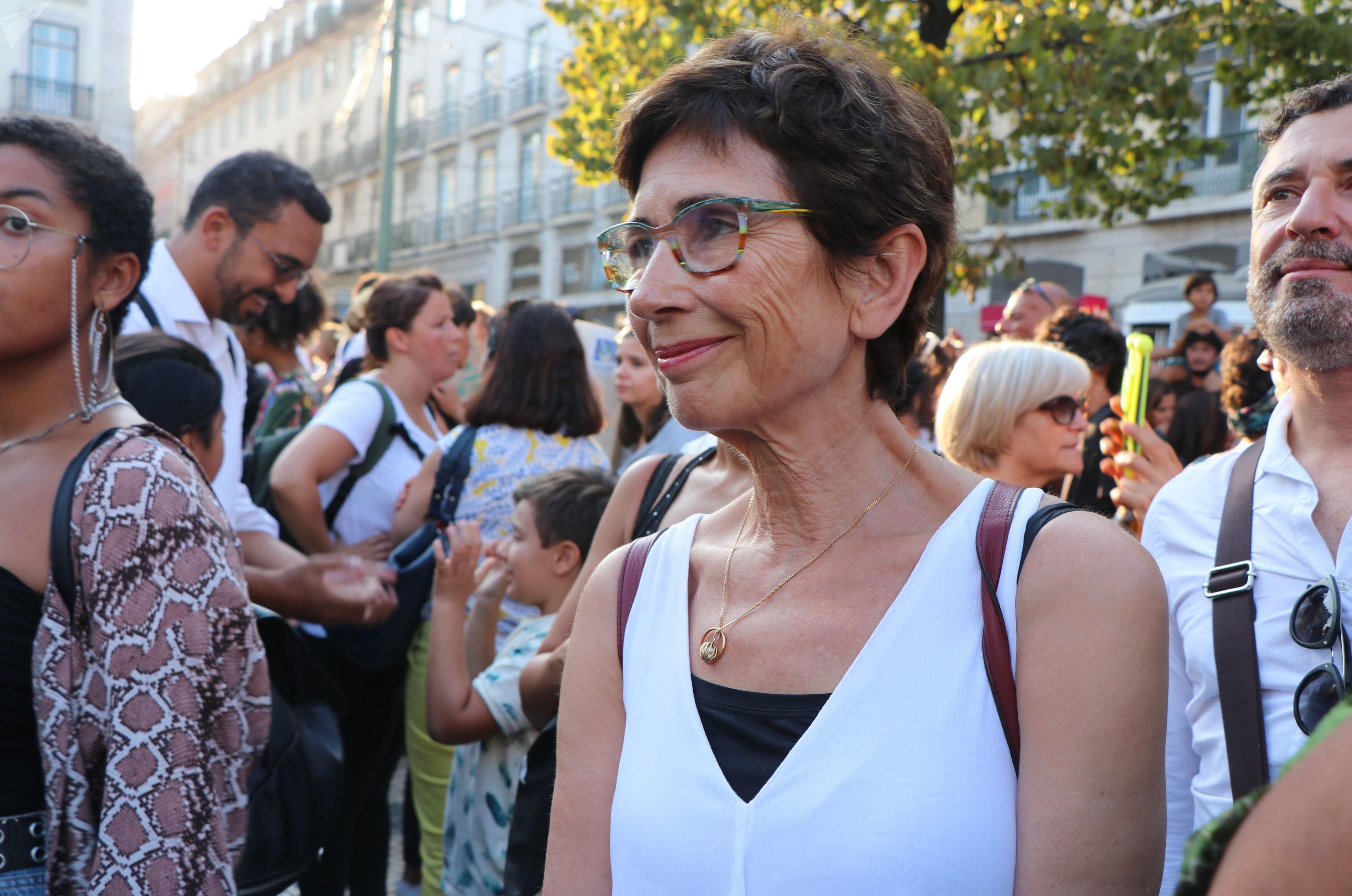 Pilar del Río, viúva de José Saramago em ato contra queimadas na Amazônia em Lisboa, Portugal