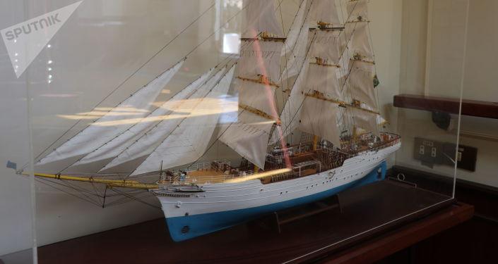 Maquete do navio Cisne Branco da Marinha do Brasil, localizada no interior da própria embarcação