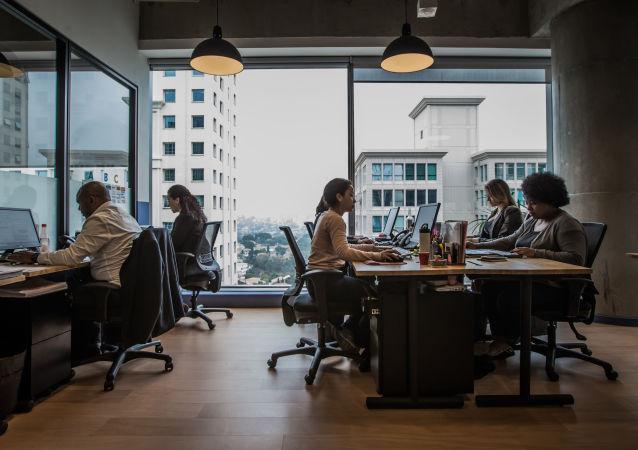 Espaço da Smarkets, startup que ajuda empresas a economizar em compras, no InovaBra, em São Paulo.