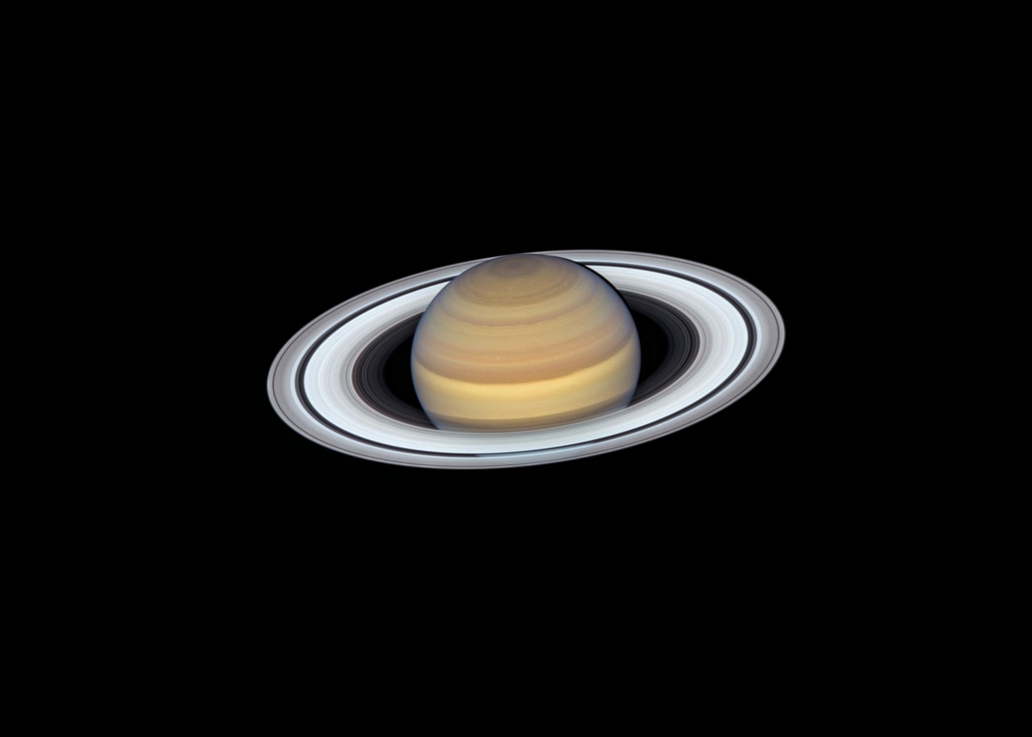 Anéis de Saturno fotografados pelo Hubble