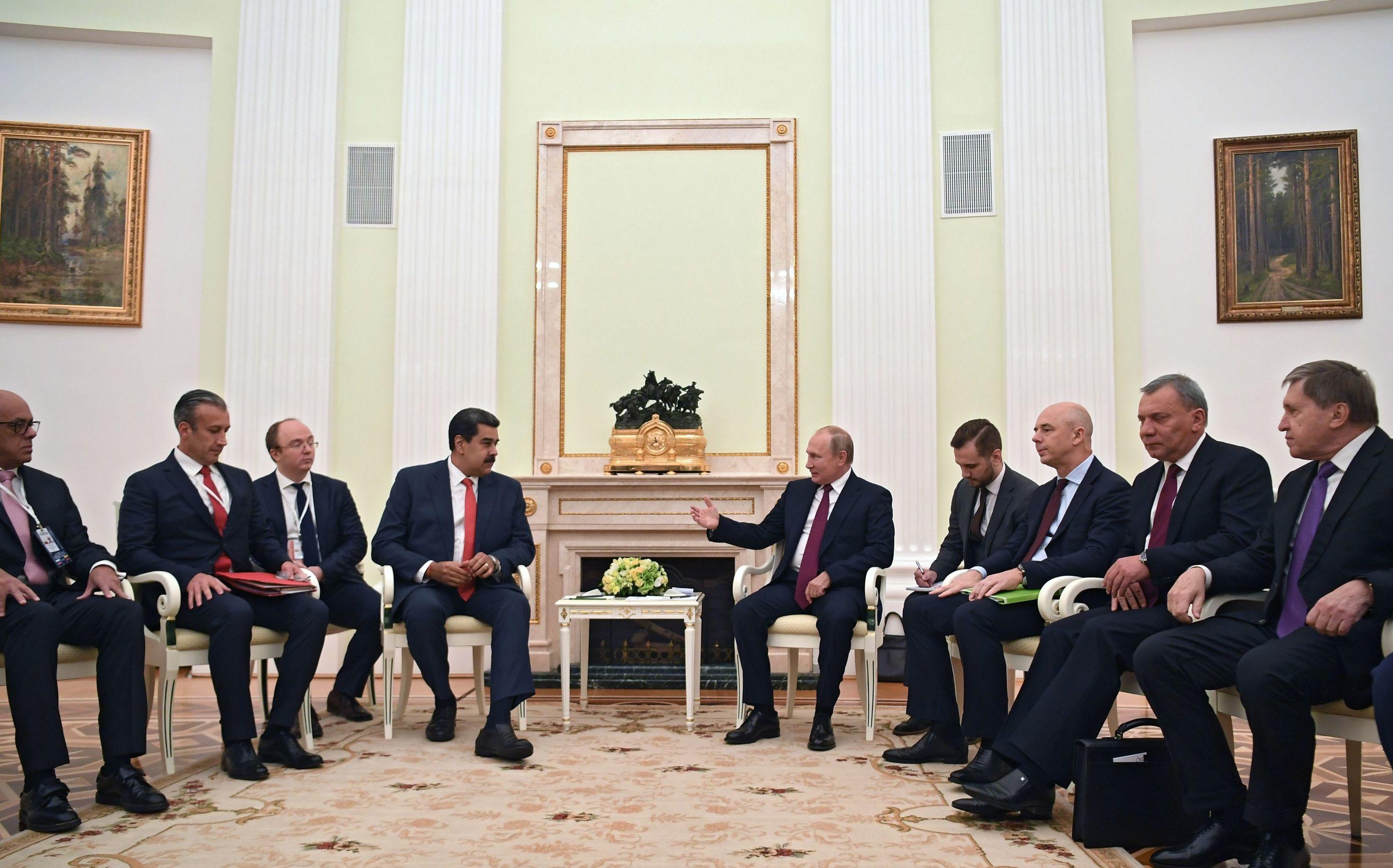 Presidente venezuelano, Nicolá Maduro e o presidente russo, Vladimir Putin durante reunião