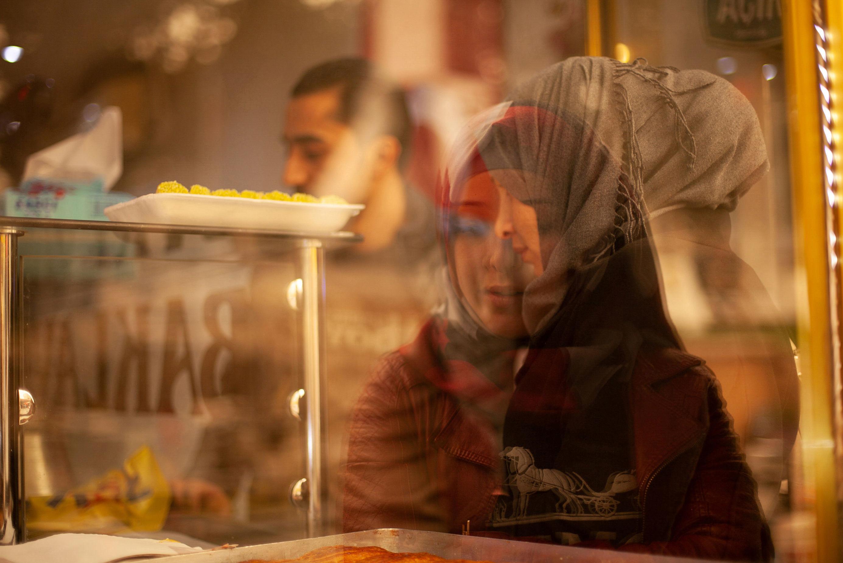 Família de refugiados provenientes da Síria na cidade de Kilis, na Turquia.