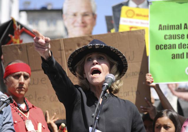 Atriz e ativista Jane Fonda durante protesto global contra o clima em 19 de setembro