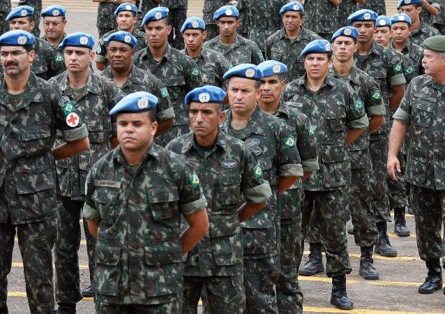 Militares retornam a Brasília após sete meses de operações no Haiti, no âmbito da Operação de Paz MINUSTAH
