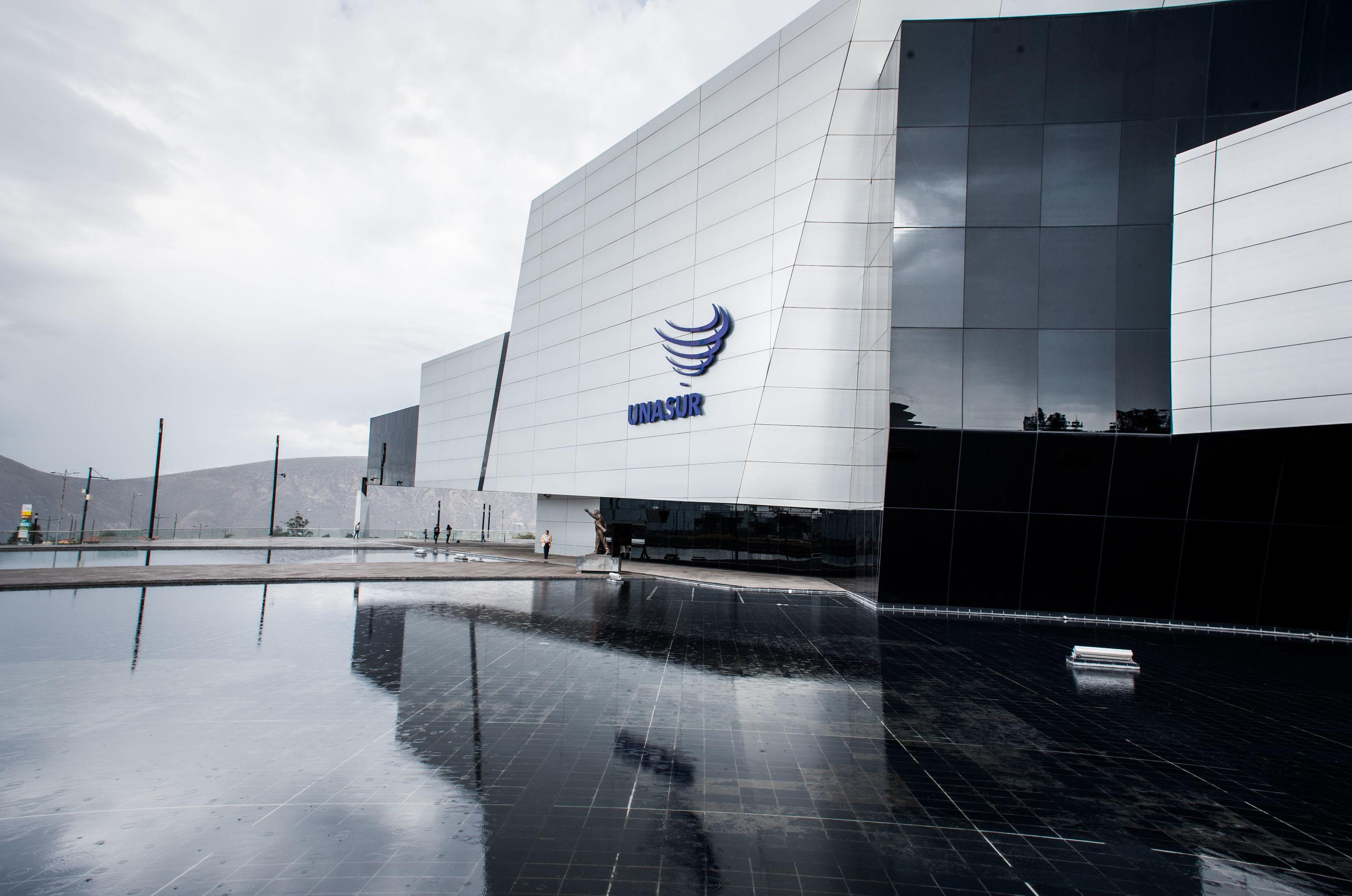 Sede da UNASUL, em Quito: países da região não puderam chegar a um consenso em relação à participação da Venezuela na organização, levando a sua paralisação