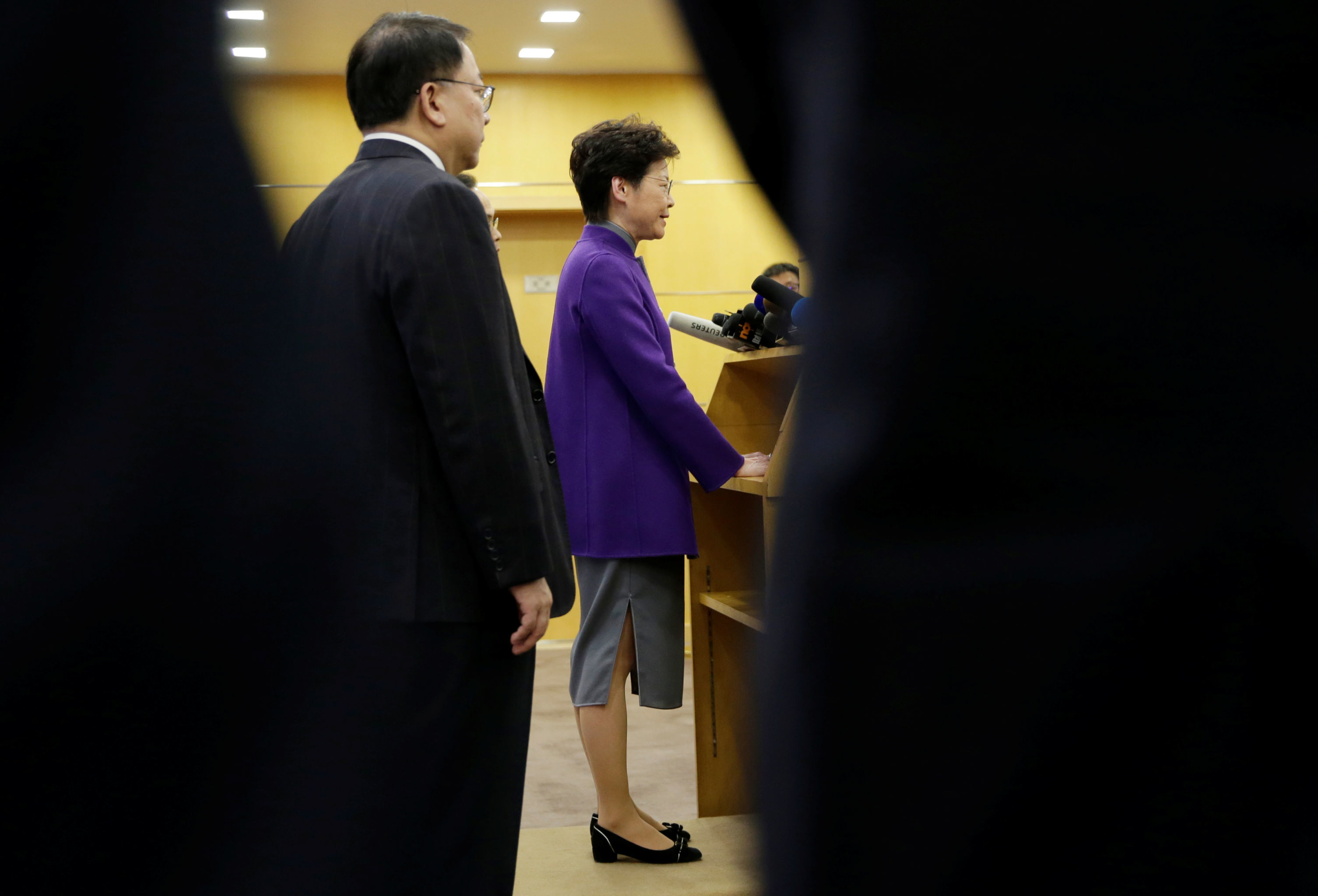 A chefe do executivo da região administrativa de Hong Kong, Carrie Lam, durante conferência de imprensa em Pequim, no dia 6 de novembro de 2019