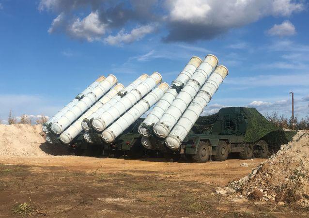 Sistemas de mísseis terra-ar S-400 Triumph