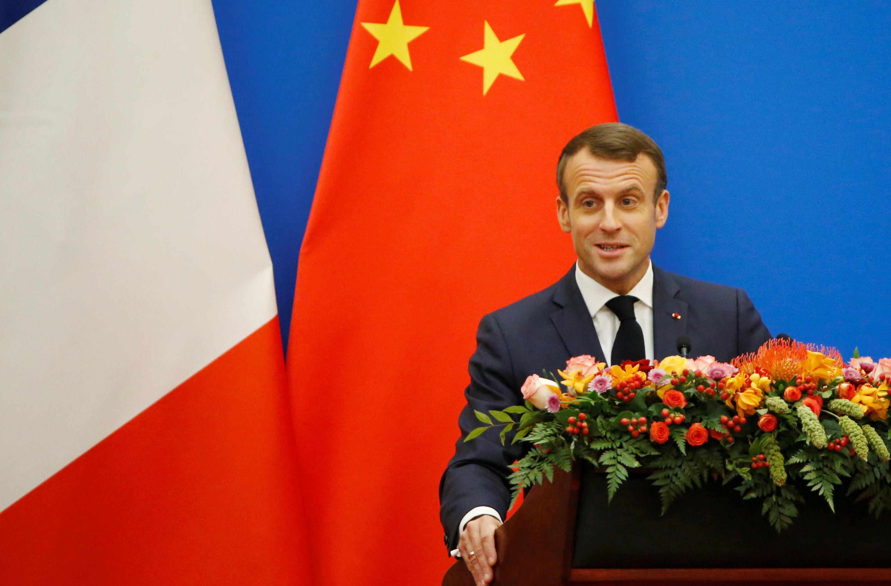 O presidente da França, Emmanuel Macron, discursa durante o Fórum Econômico França-China, em Pequim, no dia 6 de novembro de 2019
