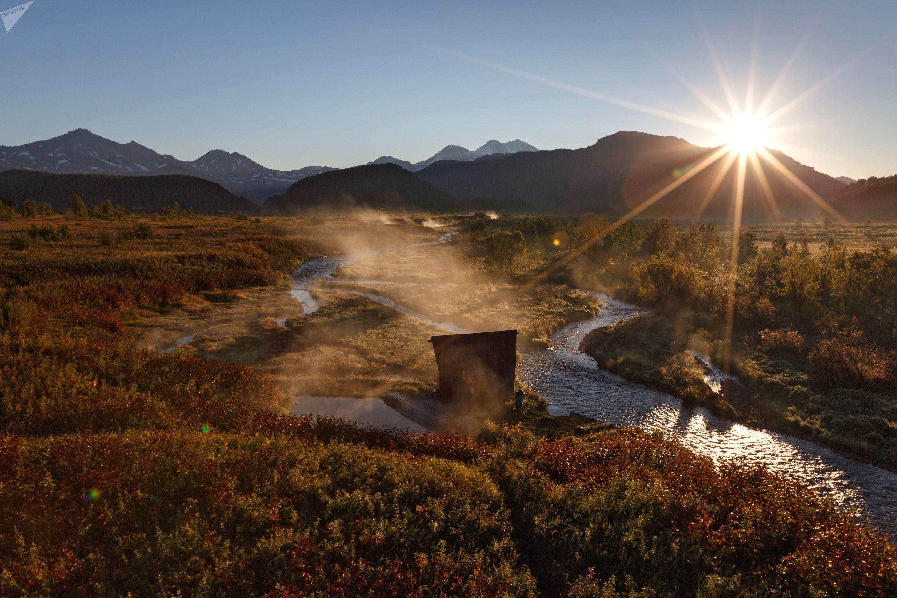 Pôr do sol em Kamchatka, região que, além de receber poderosos subarinos estratégicos, ainda é uma das destinações turísticas mais cobiçadas da Rússia