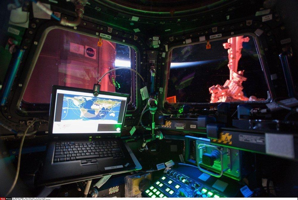 Tripulação da Estação Espacial Internacional retorna ao trabalho
