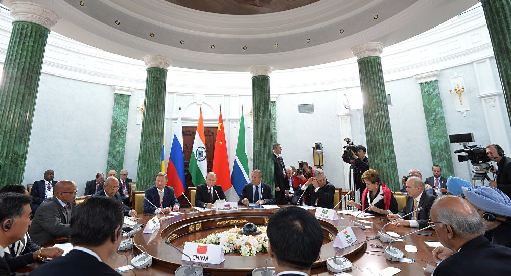 O encontro dos chefes das delegações dos países-membros do BRICS