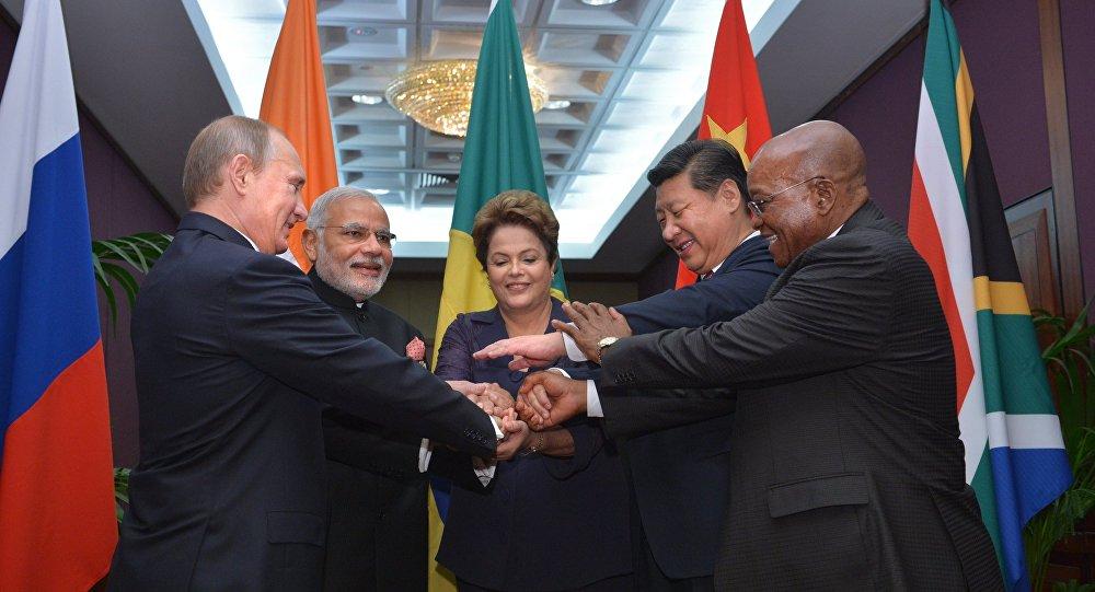 Líderes dos países do BRICS durante a cúpula de G20 em Brisbaine