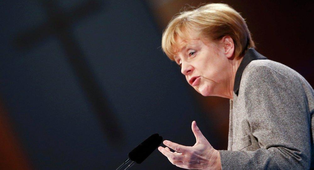 Merkel diz-se pronta para ser candidata em caso de eleições antecipadas
