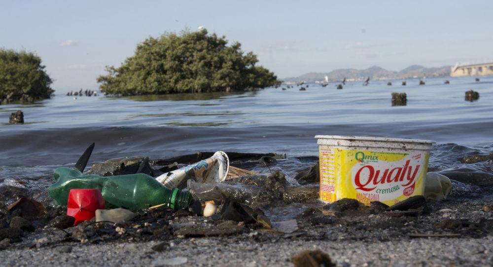 Mais saneamento e menos plástico crescem no Brasil e já fazem a diferença, diz analista