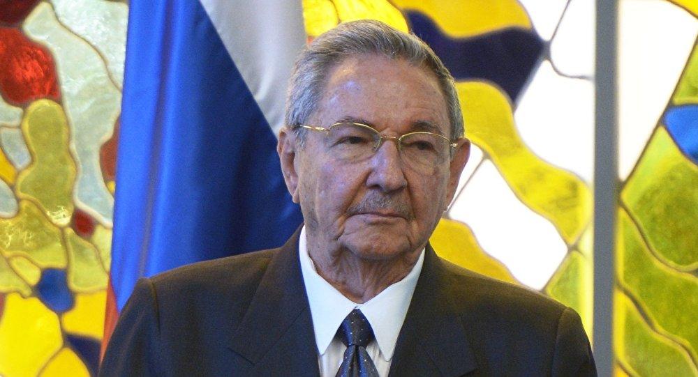 Raúl Castro durante a visita oficial de Putin à Cuba