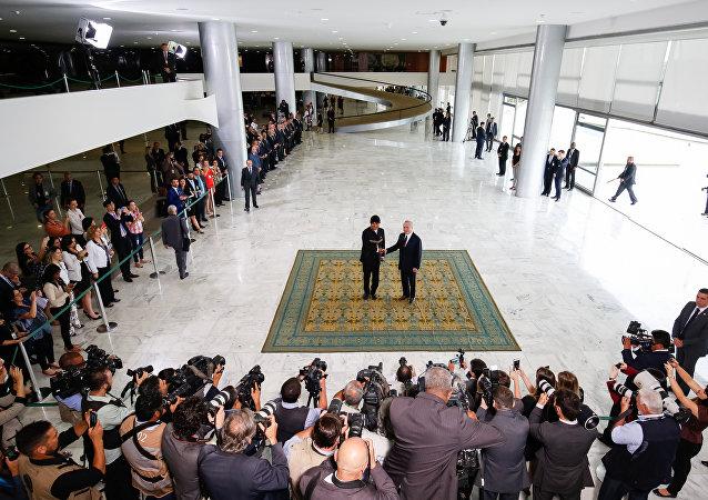 Presidente brasileiro Michel Temer na cerimônia oficial de chegada de Evo Morales, chefe de Estado da Bolívia, a Brasília