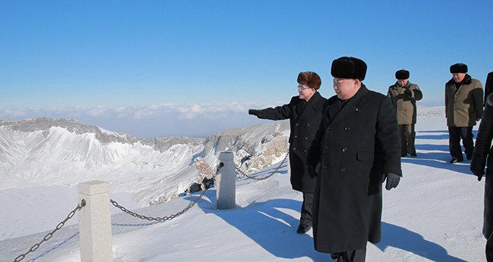 Tillerson: EUA disponíveis para falar com Pyongyang sem