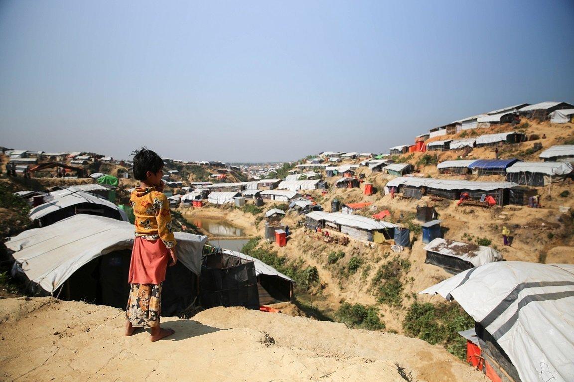 As condições de vida de crianças Rohingya nos campos de refugiados em Bangladesh são sombrias.