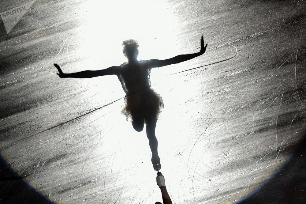 Atleta russa Maria Sotskova durante apresentação no Japão