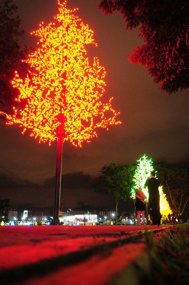 A iluminação natalina segue na Esplanada e na Torre de TV até 6 de janeiro.