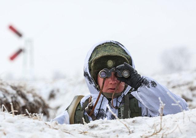 Exercícios dos estudantes da Escola Suprema Militar de Comando do Extremo Oriente