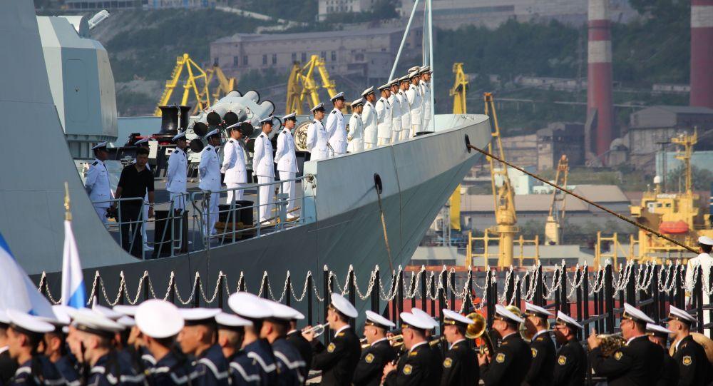 Os exercícios sino-russos Cooperação Naval 2015 em Novorossiysk, Rússia