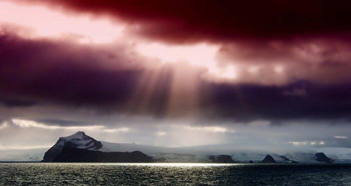 Nuvens sobre a Antártida