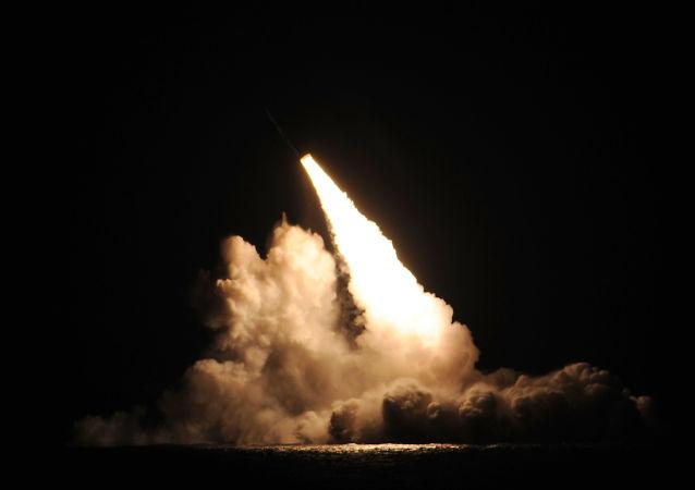 Lançamento de míssil Trident D5 a partir do submarino USS Kentucky, arquivo