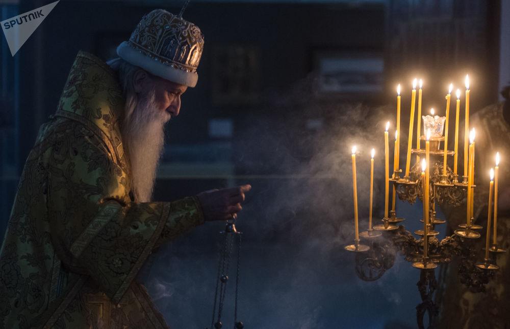 Metropolita Korniliy participa da celebração do Natal em uma das igrejas de Moscou