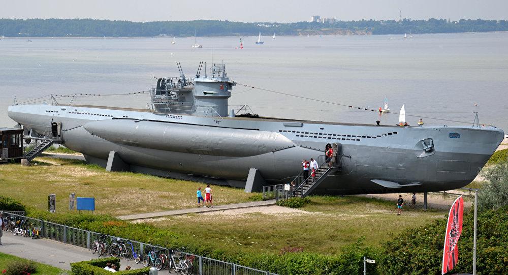 Submarino U-995 da classe VIIC e similar ao U-1206 na cidade de Laboe