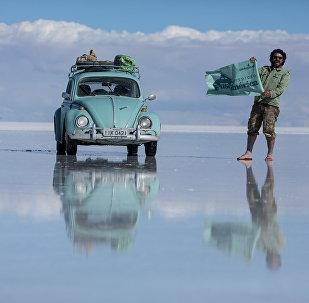 No Salar de Uyuni, Bolívia. O maior deserto de sal do mundo.