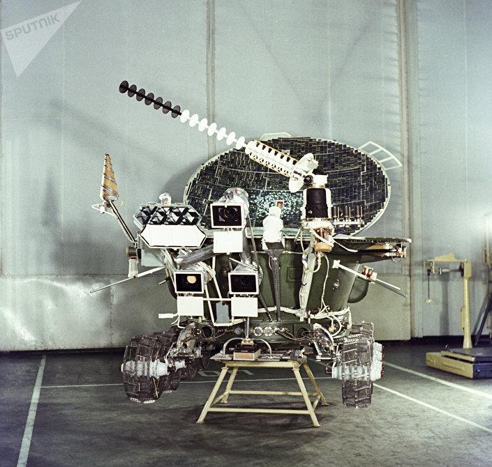 Maquete do rover lunar soviético Lunokhod-2