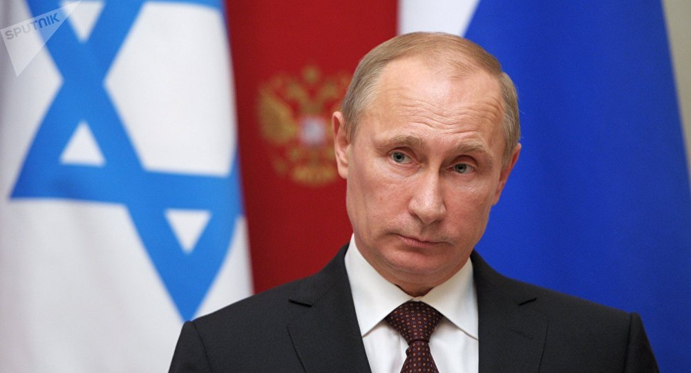 Presidente russo, Vladimir Putin, durante coletiva de imprensa com o premiê de Israel, Benjamin Netanyahu