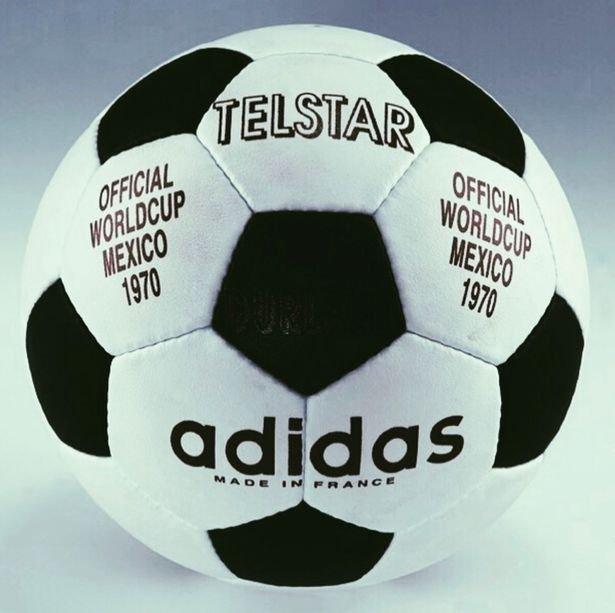 Telstar, a primeira bola fabricada pela Adidas para a Copa do Mundo. Foi utilizada no México, em 1970.