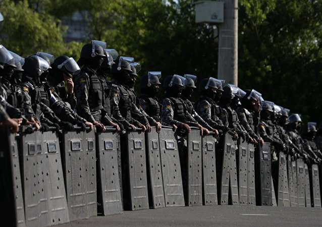 Tropa de choque é vista perto do TRF-4 em Porto Alegre, onde decorre, em 24 de janeiro, o julgamento de Luiz Inácio Lula da Silva
