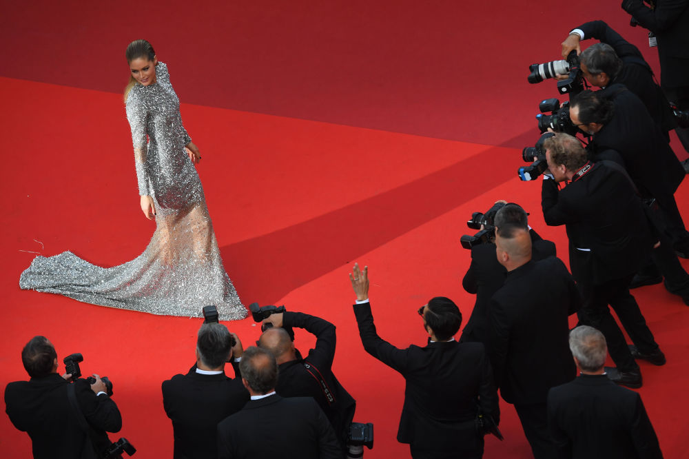 Modelo holandesa Doutzen Kroes posa na apresentação do filme The Beguiled (O Estranho que Nós Amávamos) no Festival de Cannes, em 24 de maio de 2017