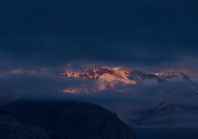 Nuvens escuras na cordilheira dos Andes, na aldeia de Uspallata, Argentina (imagem referencial)