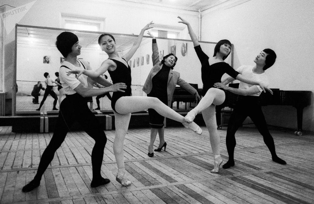 Estudantes vietnamitas no Instituto da Arte Teatral em 1985