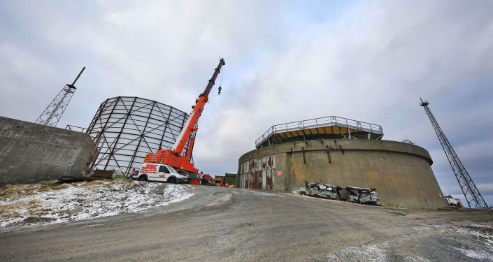 Radar britânico atualmente em construção na ilha de Unst (Shetland), 26 de janeiro de 2018